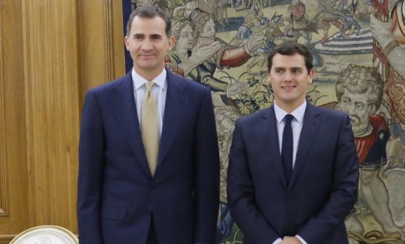 ¿Cuánto mide el Rey Felipe VI? - Altura - Real height Rey-Rivera-21enero2016Twitter