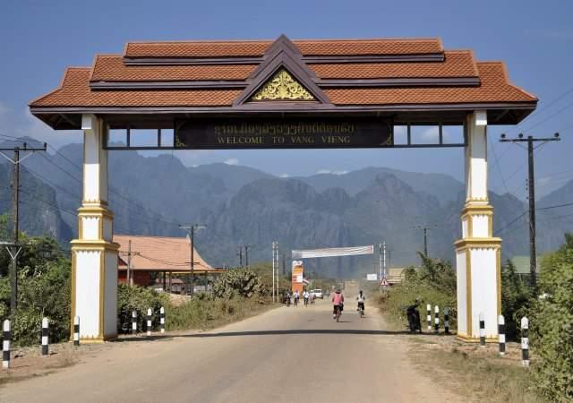 Laos. Desnutrición  infantil,  capitalismo.. Laos-3