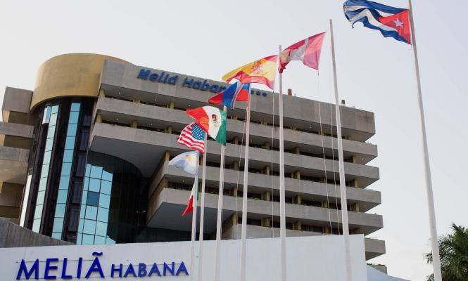 EEUU - Cuba: Obama y Raúl Castro ponen fin a más de 50 años de enfrentamientos y sanciones. El fin del embargo en manos del Congreso estadounidense. - Página 2 Melia_habana_bloomberg