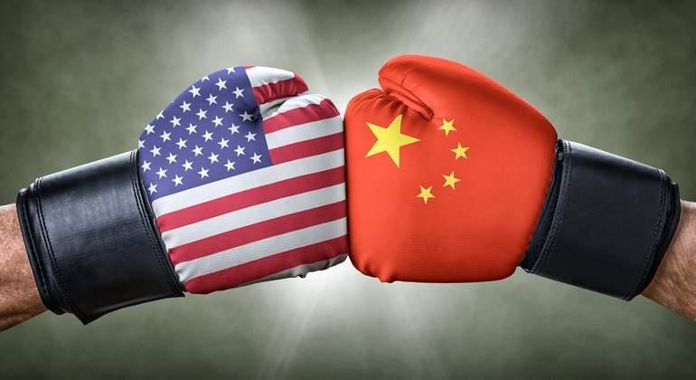 Guerra comercial, proteccionismo. El FMI retira su compromiso contra el proteccionismo tras las presiones de EEUU. - Página 2 EEUU-China-boxeo-dreamstime