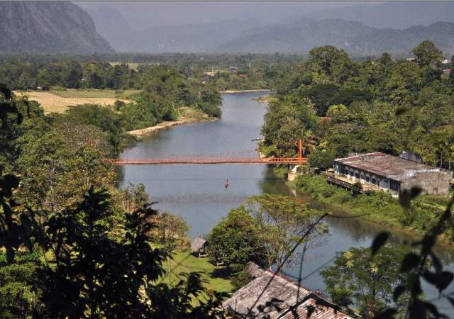 Laos. Desnutrición  infantil,  capitalismo.. Laos-1