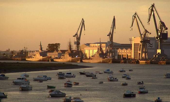 Sector naval. Regulaciones, nuevas regulaciones... Negocio$ y más negocio$. - Página 5 700x420_navantia-astillero-san-fernando