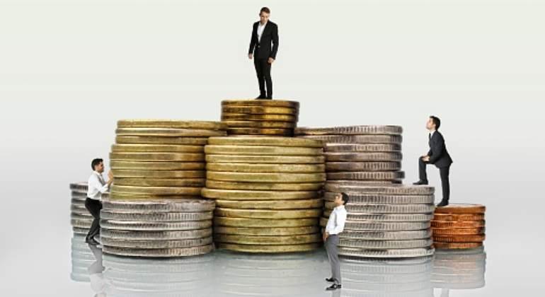 Salarios, precios y ganancias $ - Página 12 Monedas-trabajadores-getty