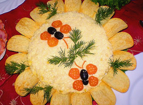 Идеи украшения салатов 13787a920039