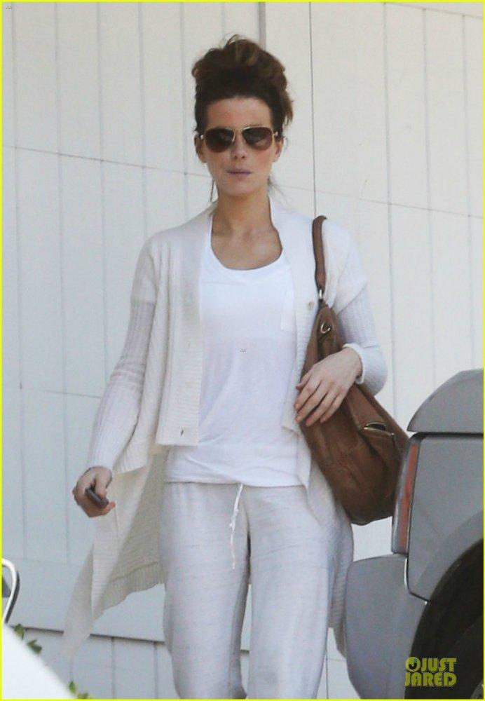 Kate Beckinsale - Страница 4 5df7034a5c41