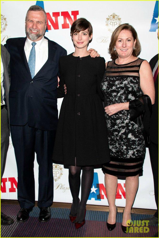 Anne Hathaway/Энн Хэтэуэй - Страница 8 41e9fcf6cf24