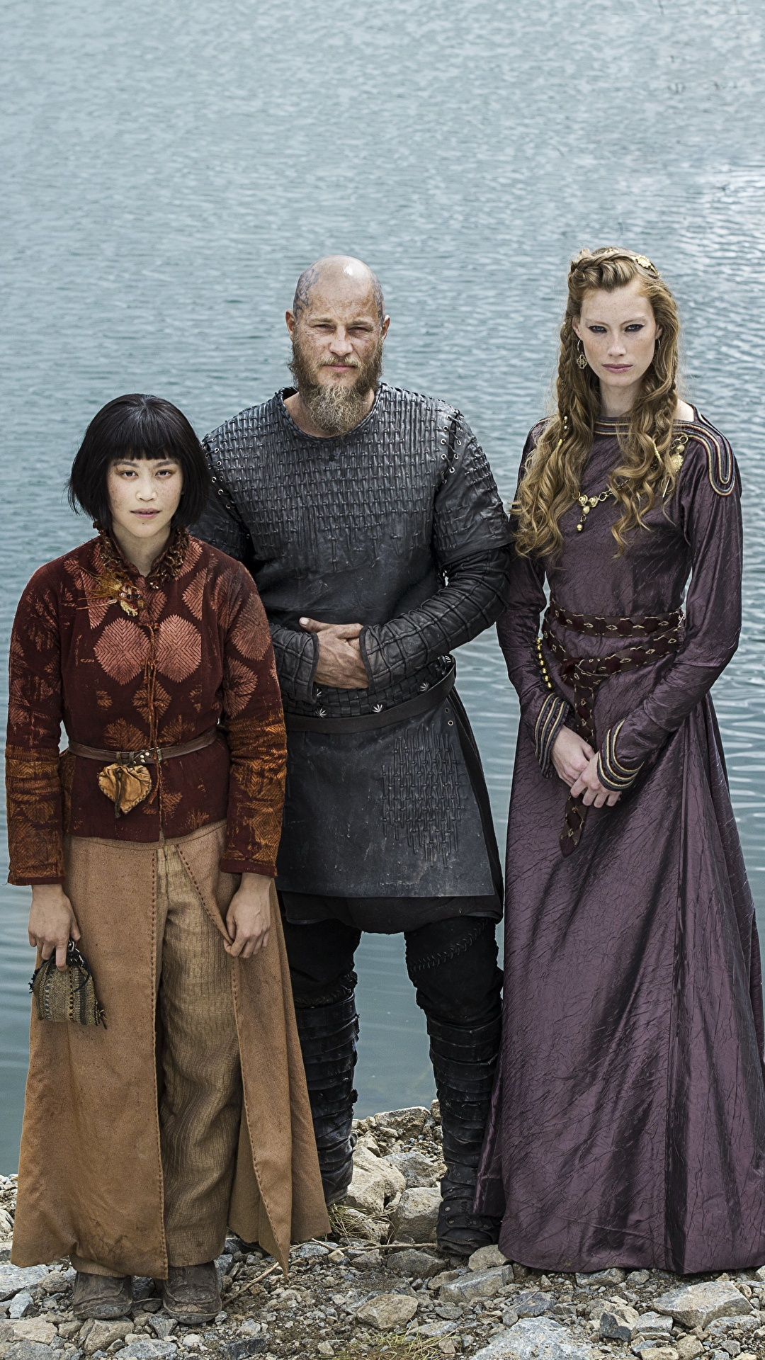 ¿Cuánto mide Robert Downey Jr? - Altura - Real height Vikings_(TV_series)_Men_Alyssa_Sutherland_Travis_528539_1080x1920