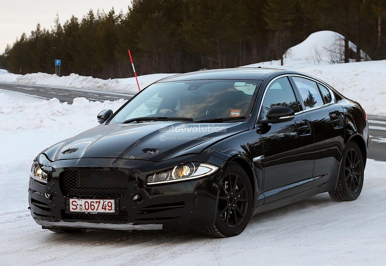 2014 - [Jaguar] XE [X760] - Page 2 Spyshots-jaguar-xs-mule-the-bmw-3-series-rival-emerges-1080p-3