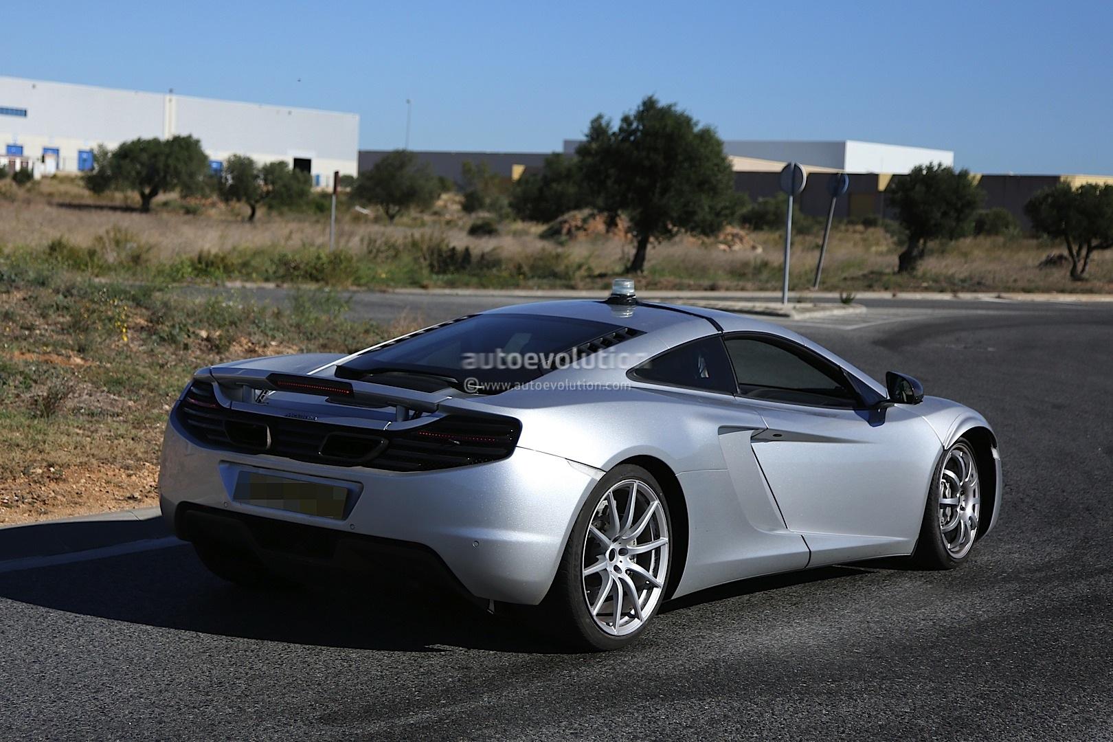 2015 - [McLaren] 570s [P13] Spyshots-mclaren-p13-sportscar-caught-chassis-testing-1080p-1