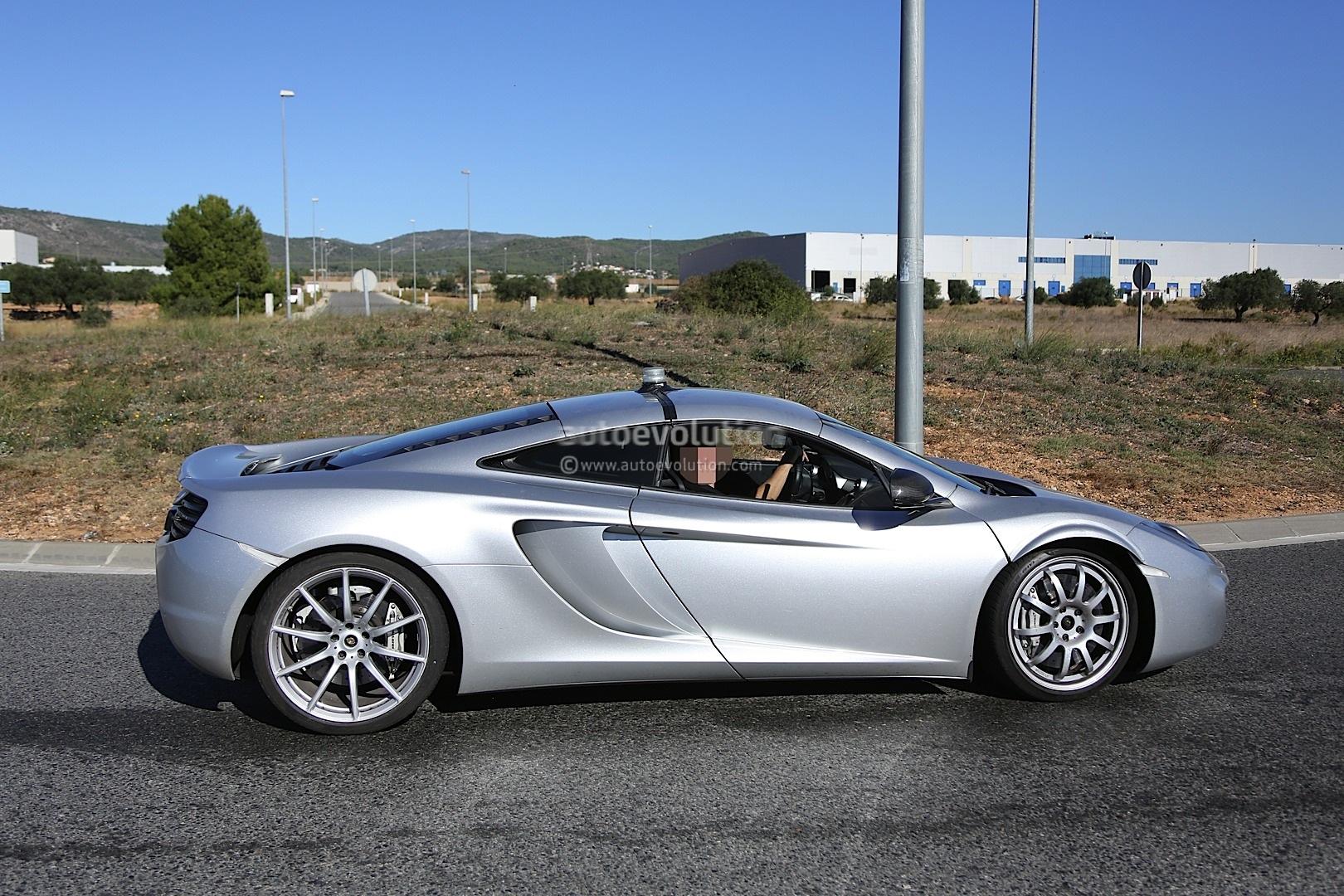 2015 - [McLaren] 570s [P13] Spyshots-mclaren-p13-sportscar-caught-chassis-testing-1080p-7