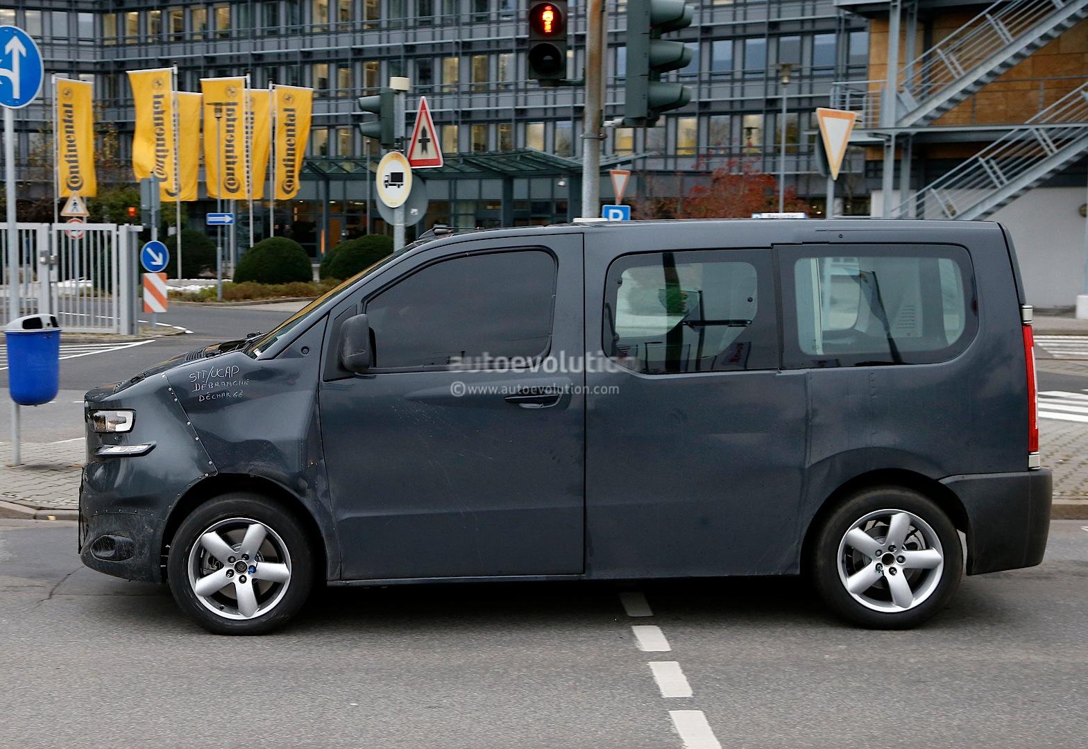 2016 - [Citroën/Peugeot/Toyota] SpaceTourer/Traveller/ProAce Spyshots-new-citroen-jumpy-takes-cues-from-2011-tubik-concept-1080p-4