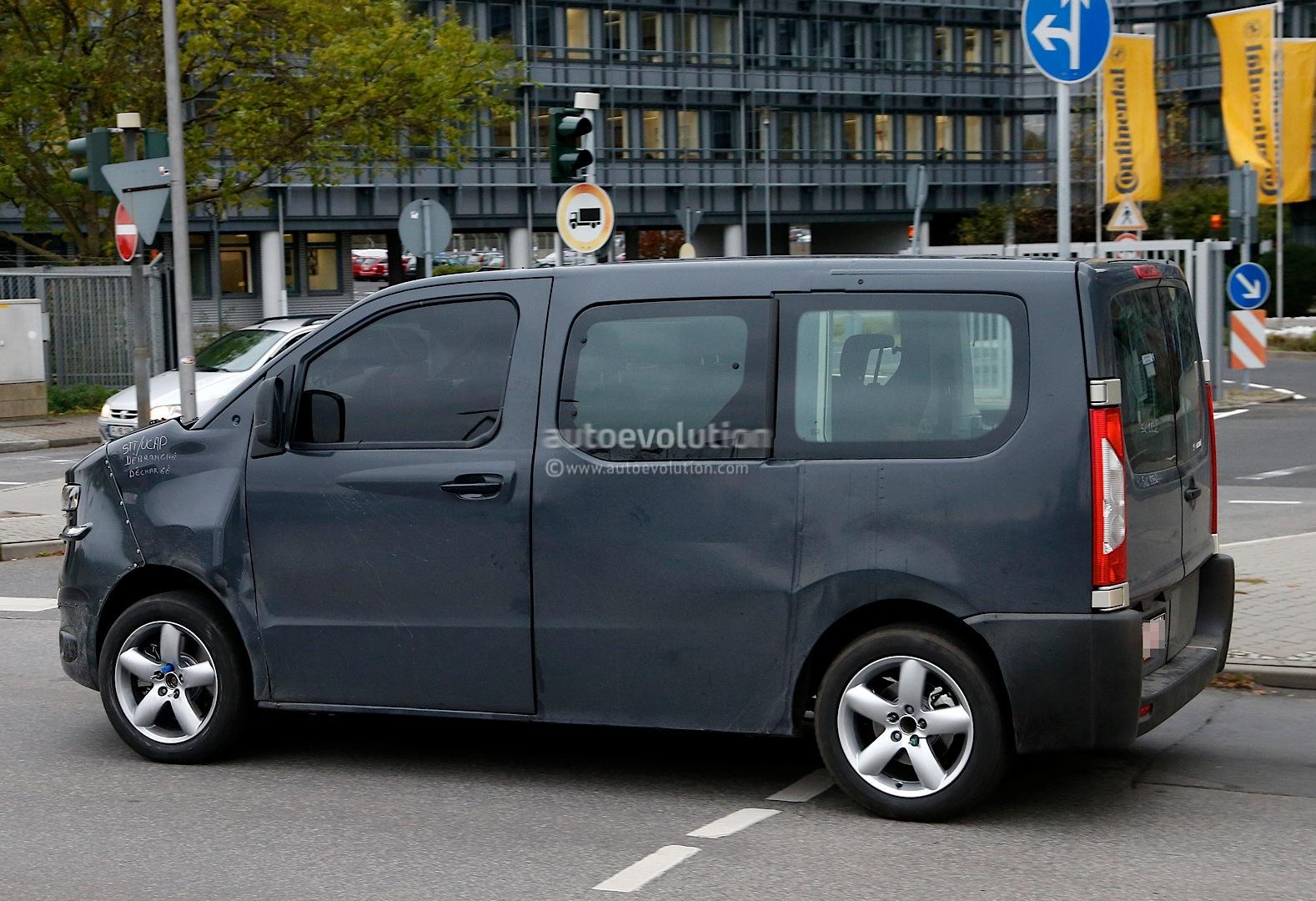 2016 - [Citroën/Peugeot/Toyota] SpaceTourer/Traveller/ProAce Spyshots-new-citroen-jumpy-takes-cues-from-2011-tubik-concept-1080p-5