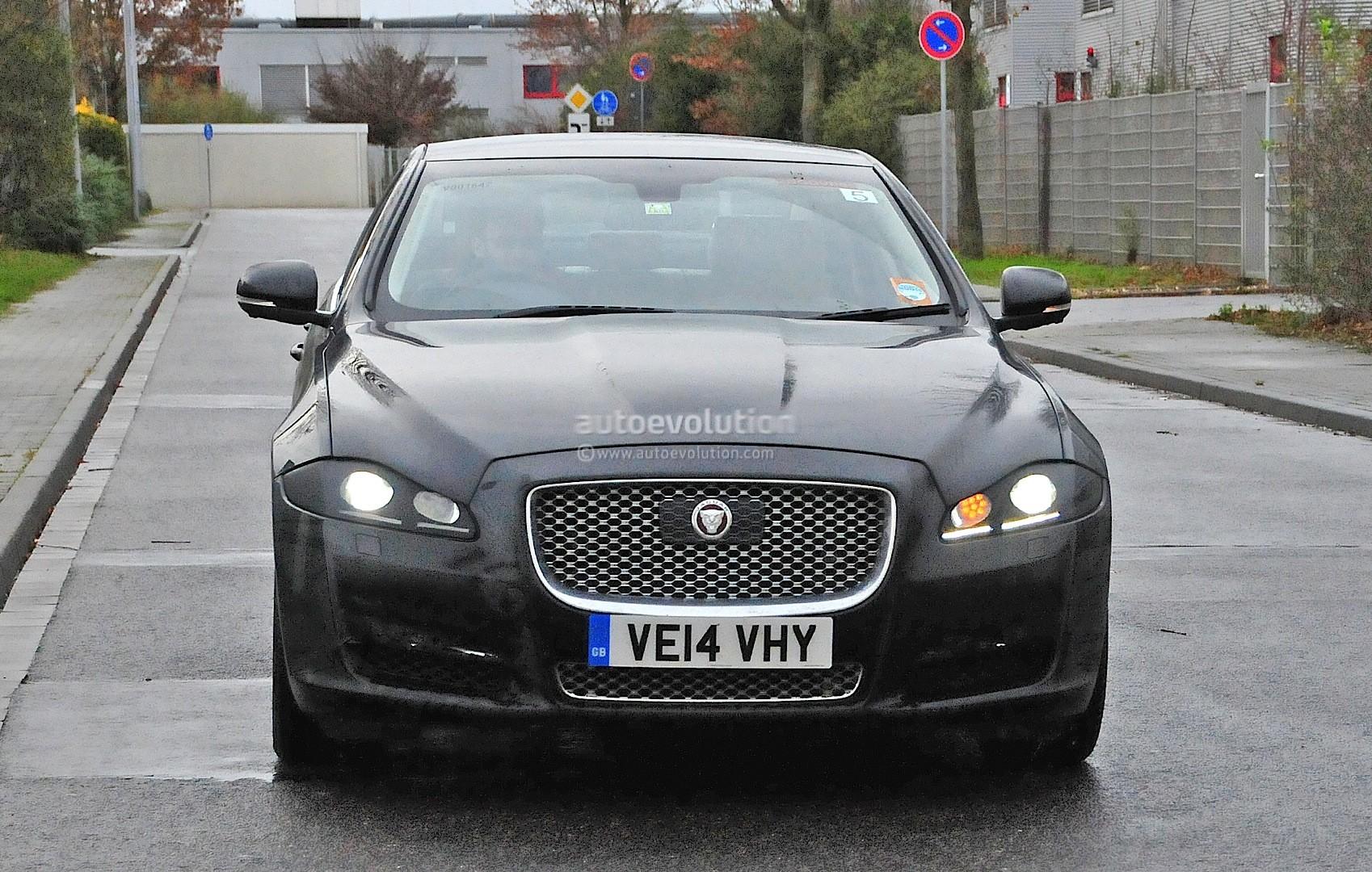 2015 - [Jaguar] XJ Restylée - Page 2 2015-jaguar-xj-facelift-spied-almost-camo-free-photo-gallery_1