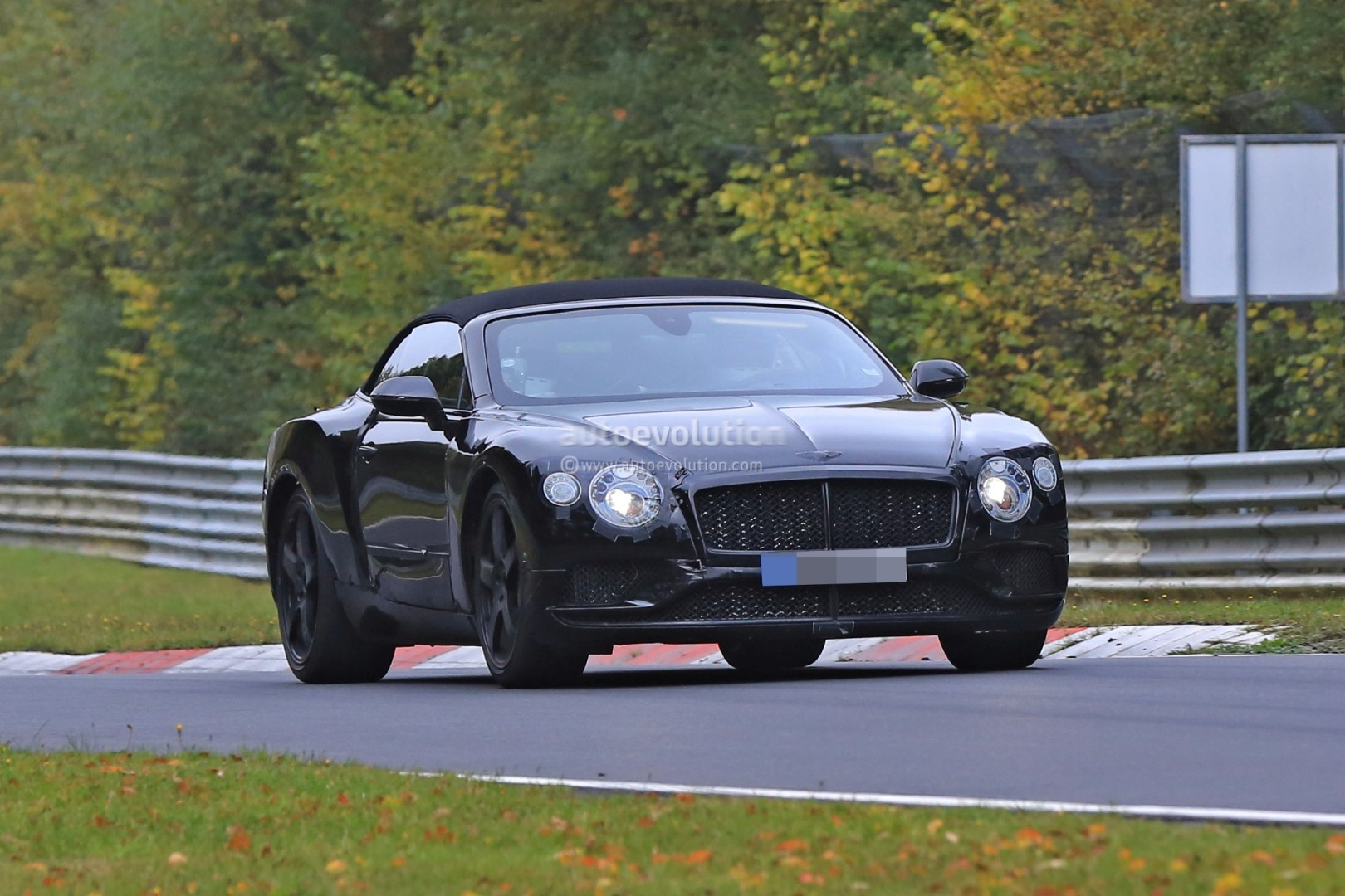 2017 - [Bentley] Continental GT - Page 2 2018-bentley-continental-gt-convertible-shows-wide-stance-on-nurburgring_10