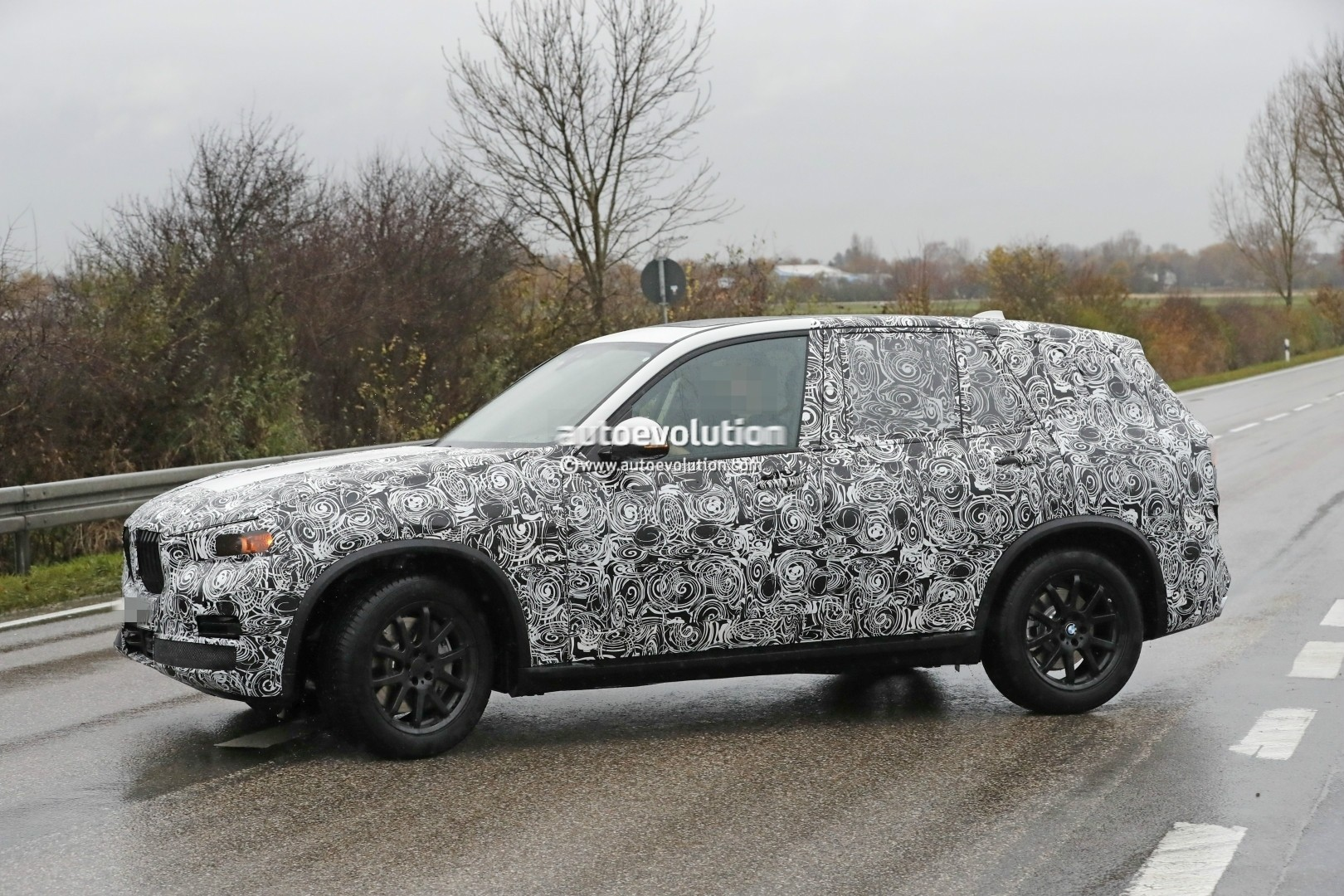 2018 - [BMW] X5 IV [G05] - Page 2 2018-bmw-x5-spied-will-offer-a-more-dynamic-design_10