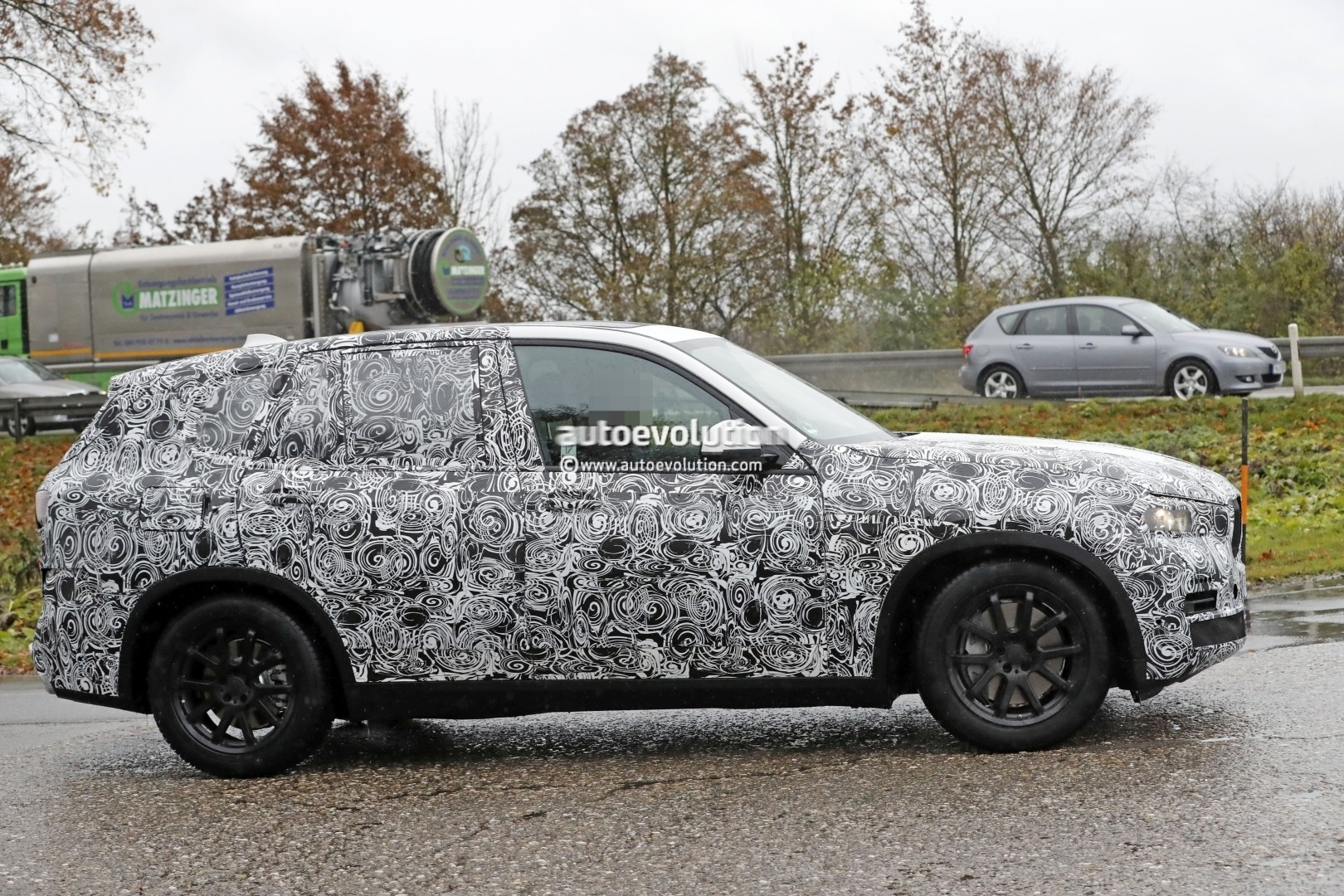 2018 - [BMW] X5 IV [G05] - Page 2 2018-bmw-x5-spied-will-offer-a-more-dynamic-design_4