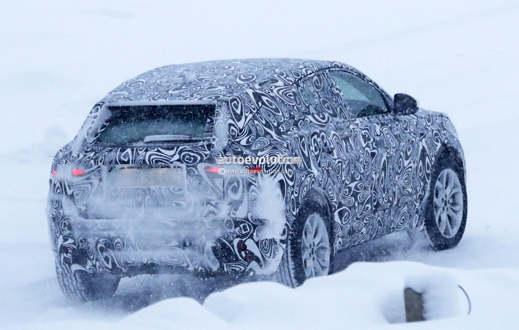 2017 - [Jaguar] E-Pace - Page 2 2018-jaguar-e-pace-spied-in-the-snow-could-become-quickest-selling-jaguar-ever_12