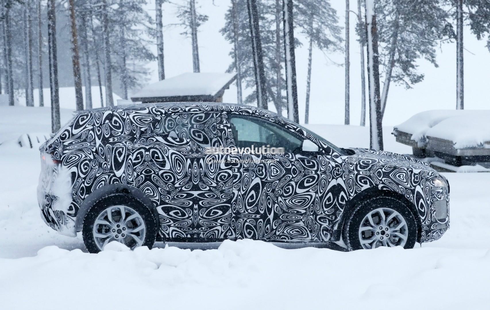 2017 - [Jaguar] E-Pace - Page 2 2018-jaguar-e-pace-spied-in-the-snow-could-become-quickest-selling-jaguar-ever_5