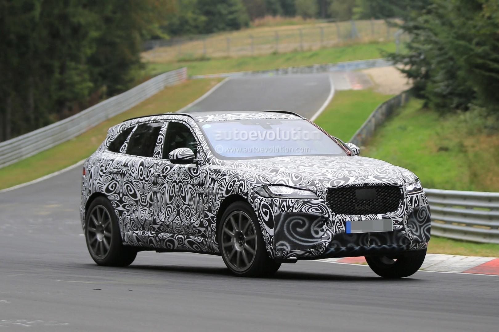 2015 - [Jaguar] F-Pace - Page 14 2018-jaguar-f-pace-svr-blitzes-the-nurburgring-circuit_12