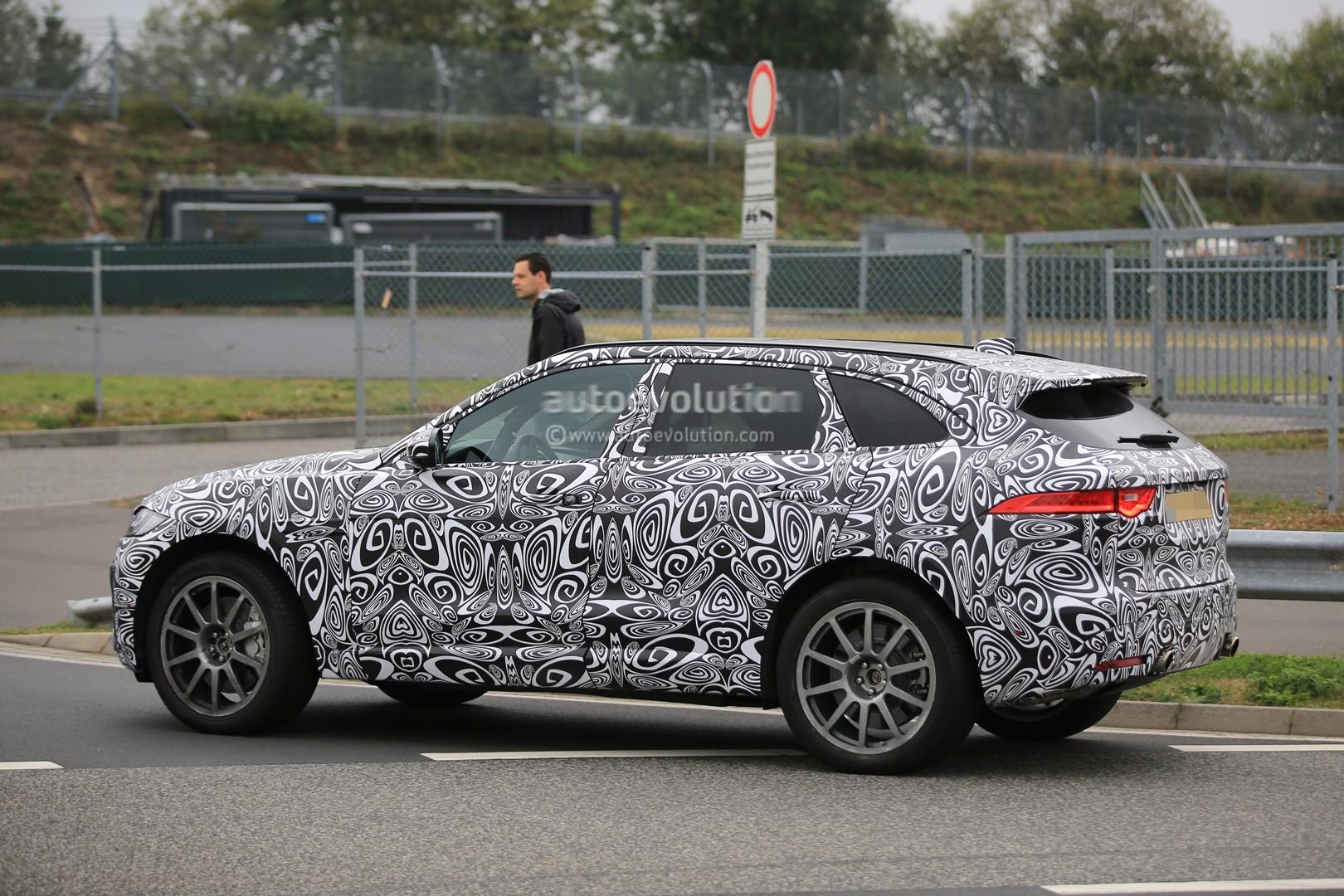 2015 - [Jaguar] F-Pace - Page 14 2018-jaguar-f-pace-svr-blitzes-the-nurburgring-circuit_7