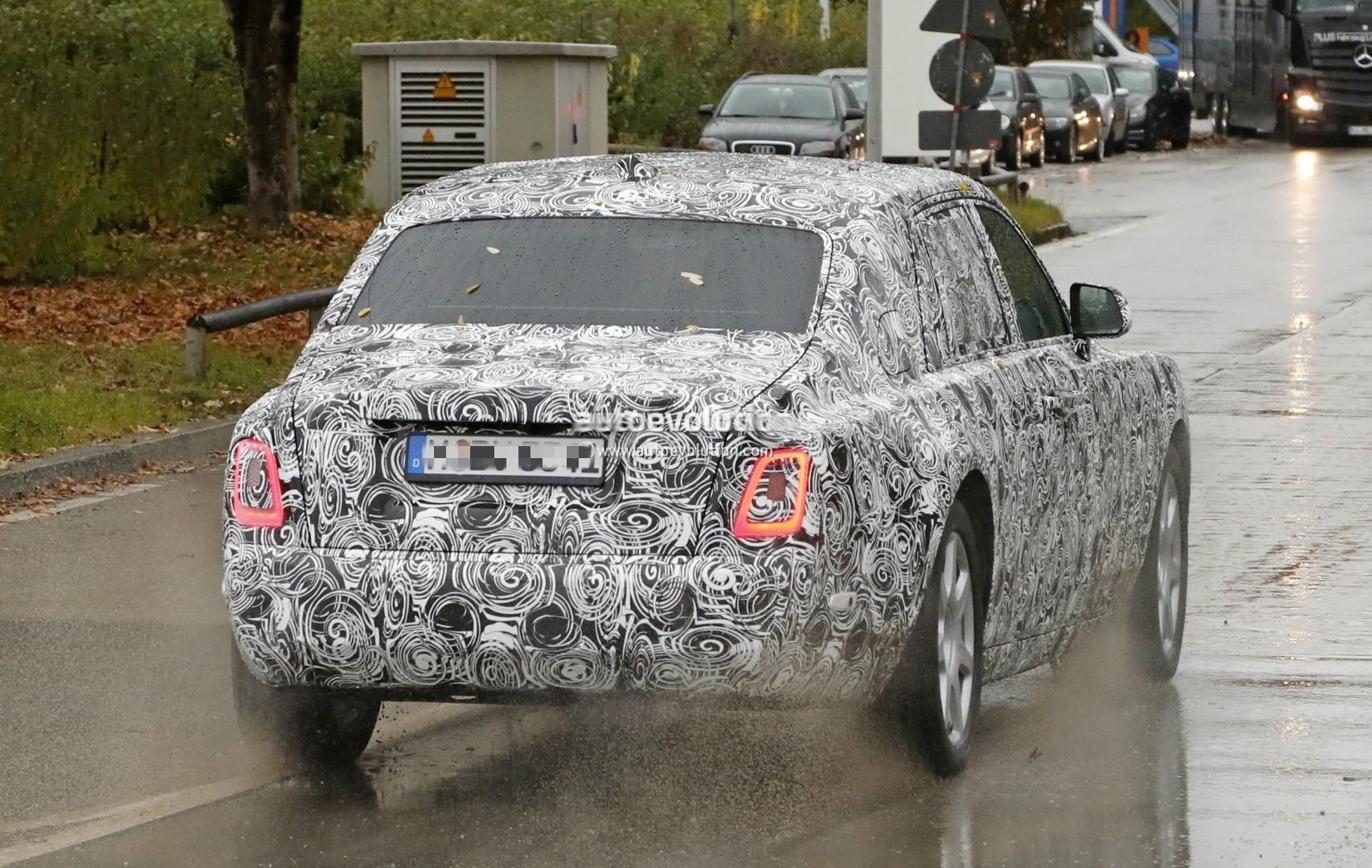 2017 - [Rolls Royce] Phantom - Page 2 2018-rolls-royce-phantom-prototype-partially-reveals-new-headlights-taillights_11