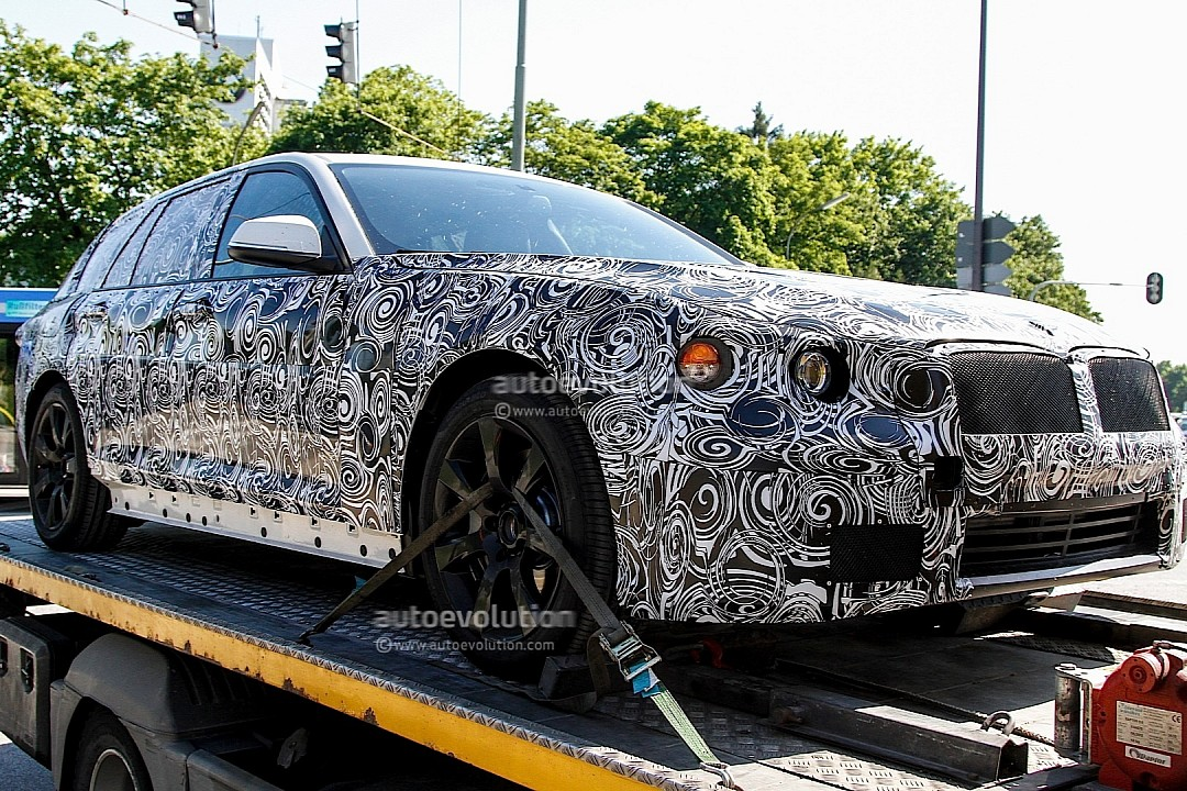 2016 - [BMW] Série 5 Berline & Touring [G30/G31] Spyshots-upcoming-bmw-5-series-touring-rolls-into-view-720p-1