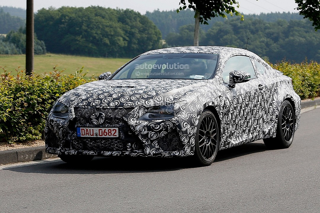 2014 - [Lexus] RC Coupé / RC-F The-latest-lexus-rc-f-spyshots-and-details-720p-1