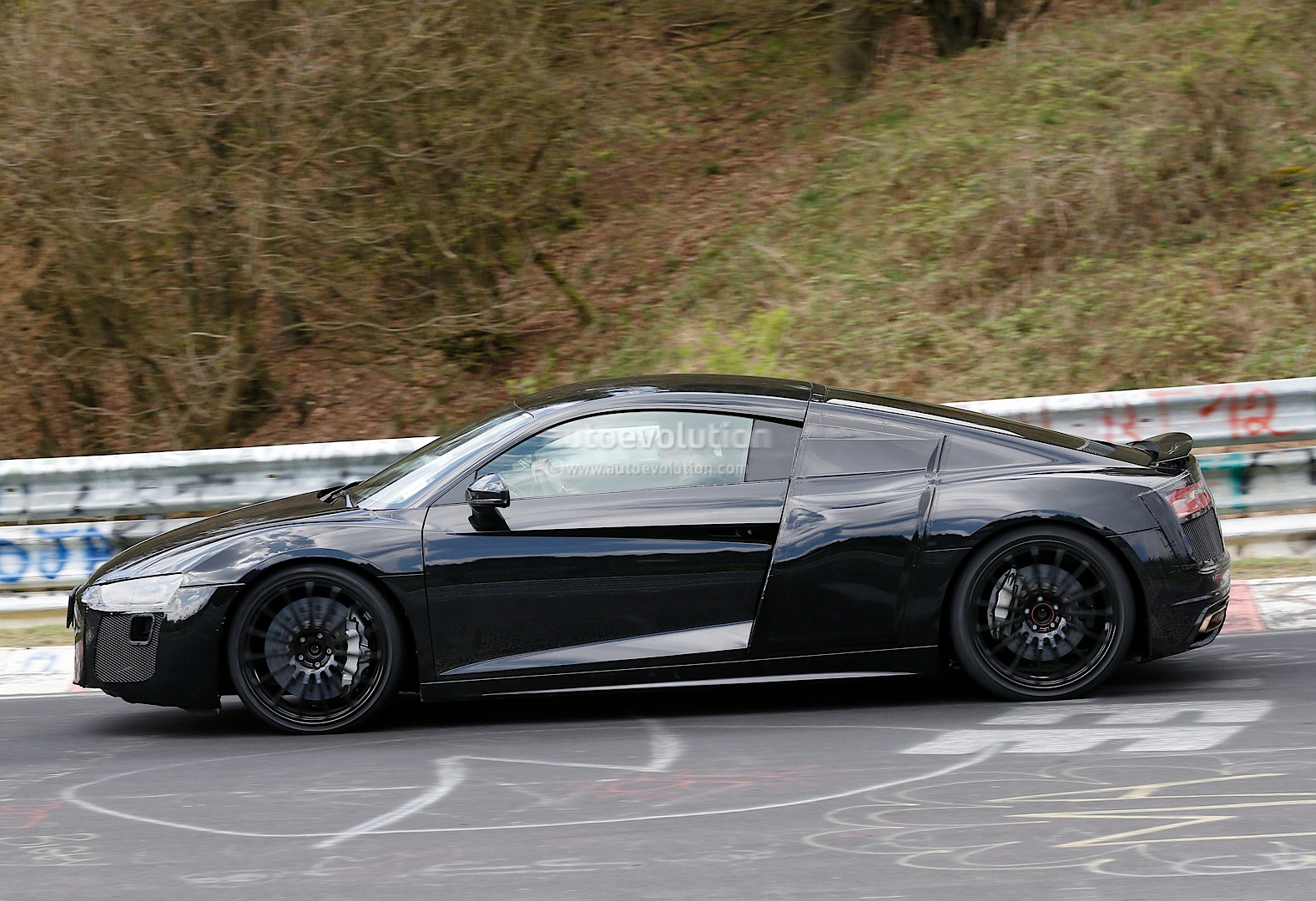 2015 - [Audi] R8 II / R8 II Spider All-new-audi-r8-loses-its-camo-during-latest-nurburgring-tests-photo-gallery_6