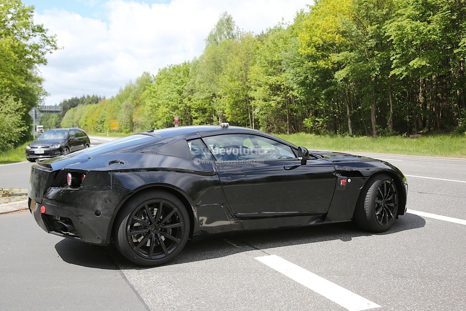 2016 - [Aston Martin] DB11 Aston-martin-db9-successor-db11-spied-to-start-the-mercedes-twin-turbo-v12-and-v8-revolution-for-aston_5