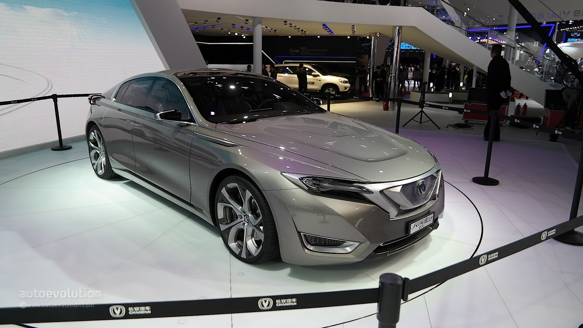 2015 - [Chine] Salon Auto de Shanghai - Page 2 Changan-raeton-cc-concept-is-an-underpowered-tesla-model-s-rival-in-shanghai-live-photos_8