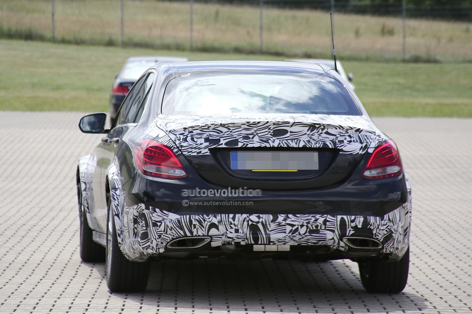 2016 - [Mercedes] Classe E [W213] - Page 2 E-class-w213-mule-based-on-current-c-class-spied-photo-gallery_12