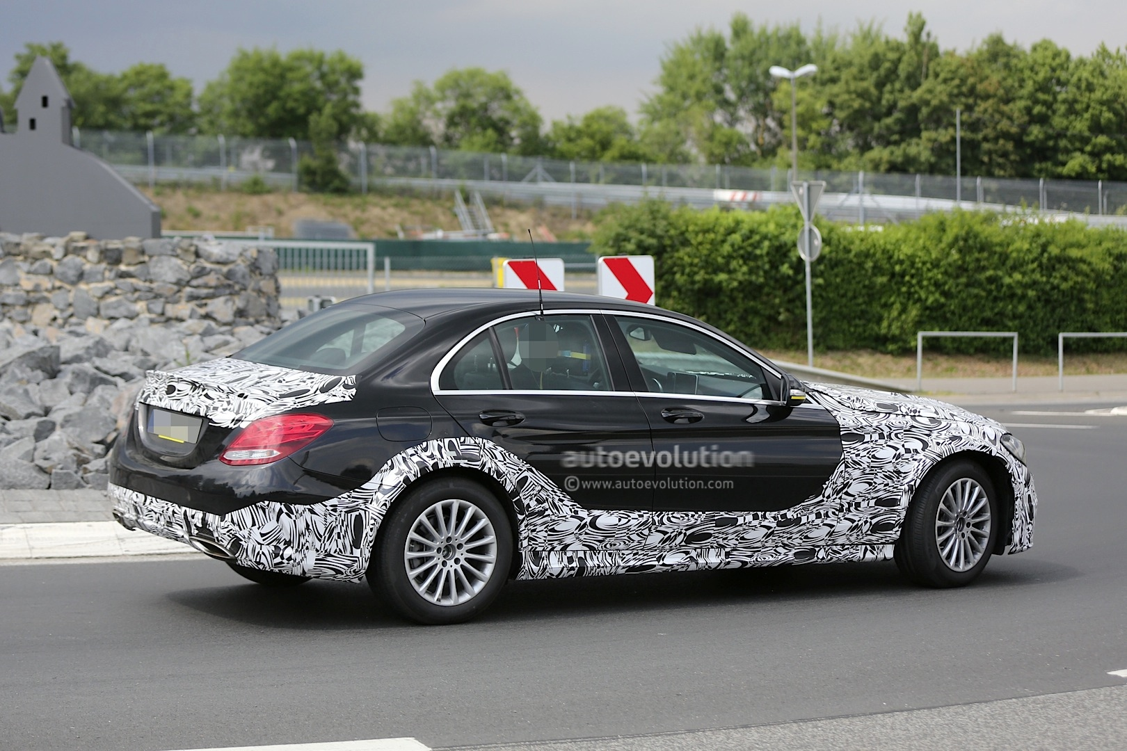 2016 - [Mercedes] Classe E [W213] - Page 2 E-class-w213-mule-based-on-current-c-class-spied-photo-gallery_5
