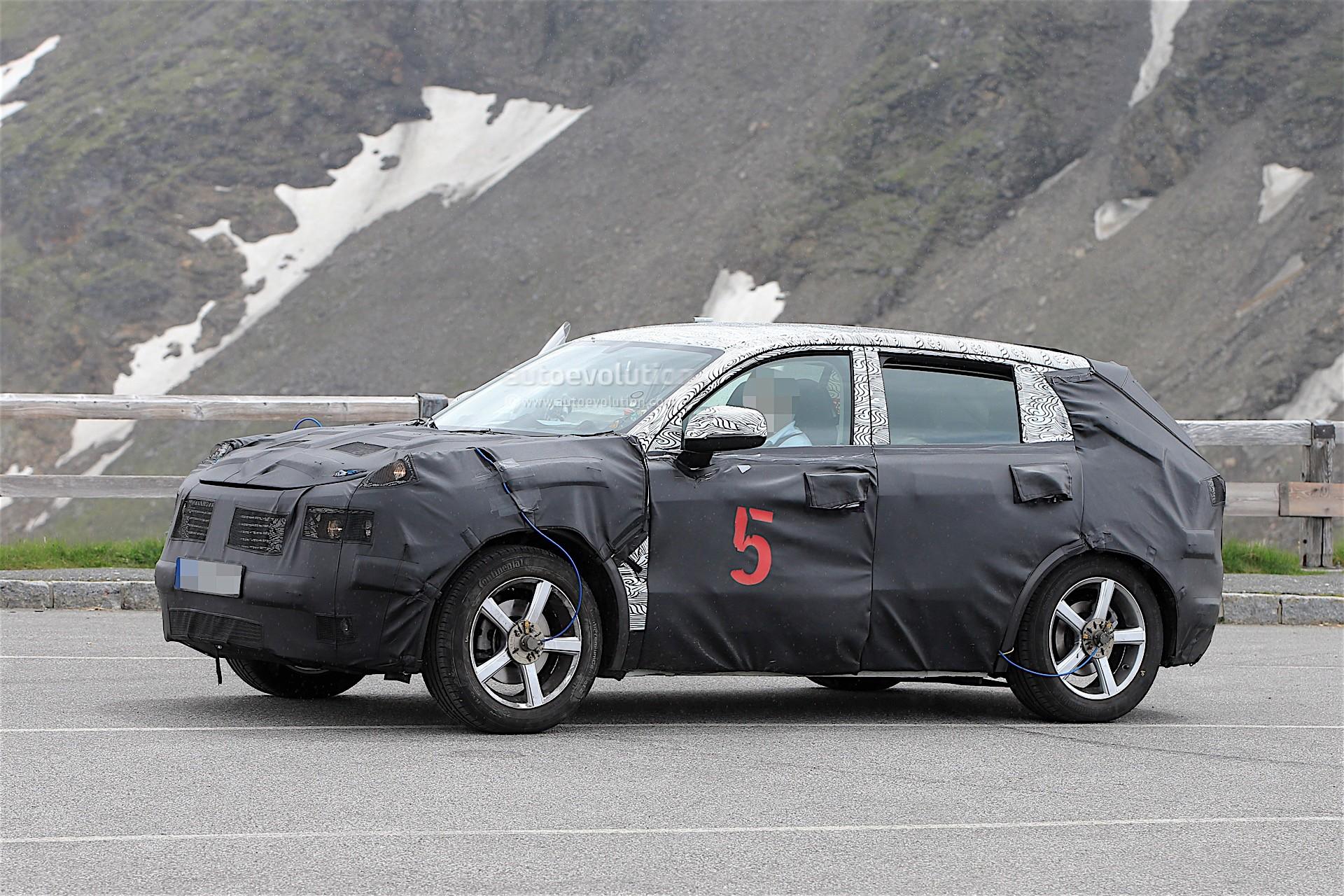 2017 - [Lynk&Co] 01 SUV Geely-suv-spy_4