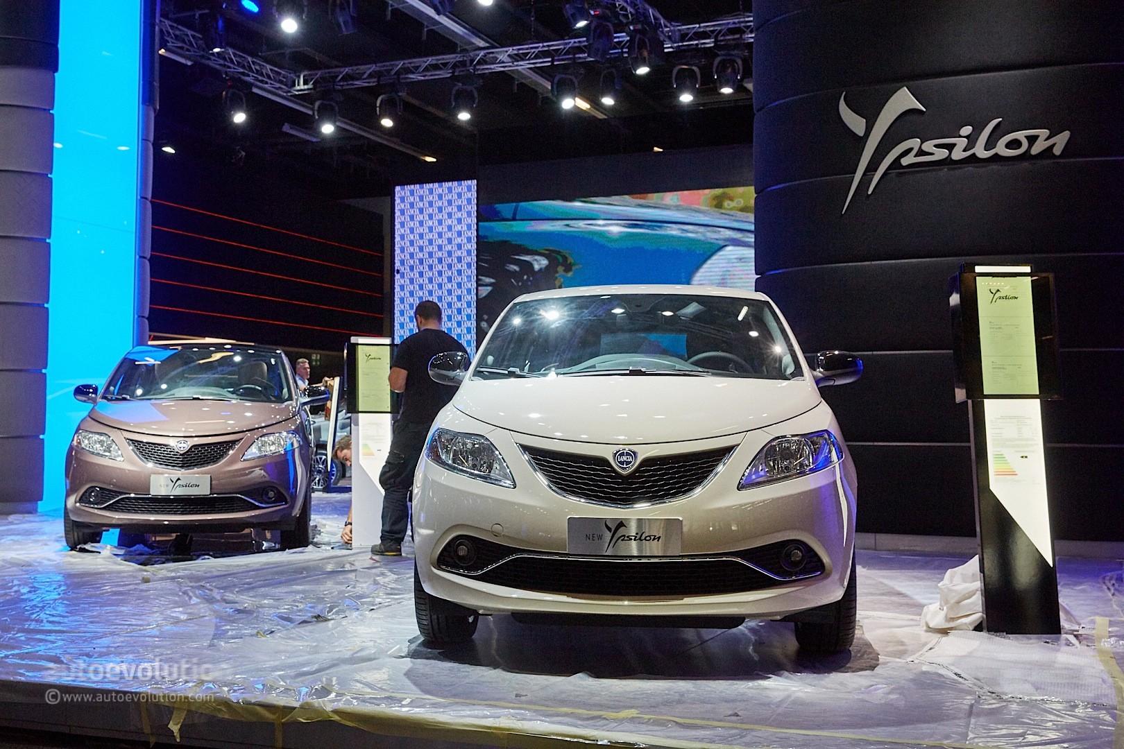 2015 - [Lancia] Ypsilon restylée - Page 5 Lancia-ypsilon-facelift-is-the-last-mohican-at-frankfurt-2015-live-photos_4