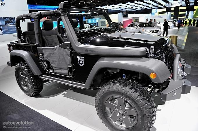 Jeep COD 2011-naias-jeep-wrangler-call-of-duty-black-ops-edition-live-photos-medium_16