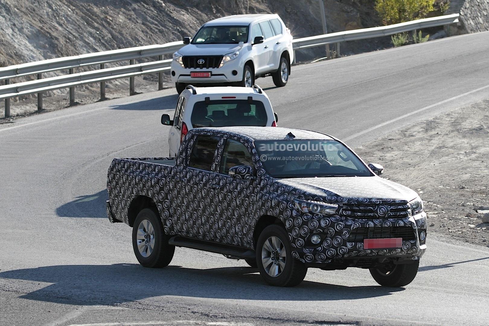 2015 - [Toyota] Hilux Next-generation-toyota-hilux-prototype-caught-testing_3