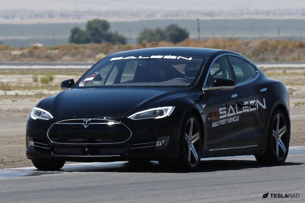 2009 - [Tesla] Model S Sedan - Page 9 Saleen-tesla-model-s-spied-while-track-testing_2