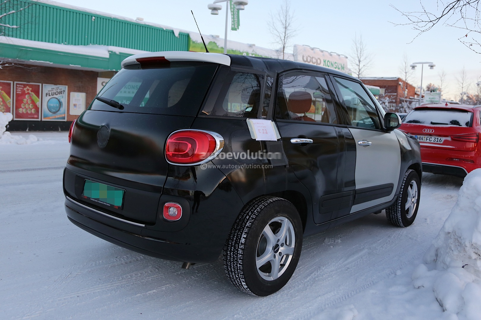 2014 - [Jeep] Renegade - Page 2 Spyshots-2015-jeep-b-suv-endures-the-cold-in-scandinavia_3