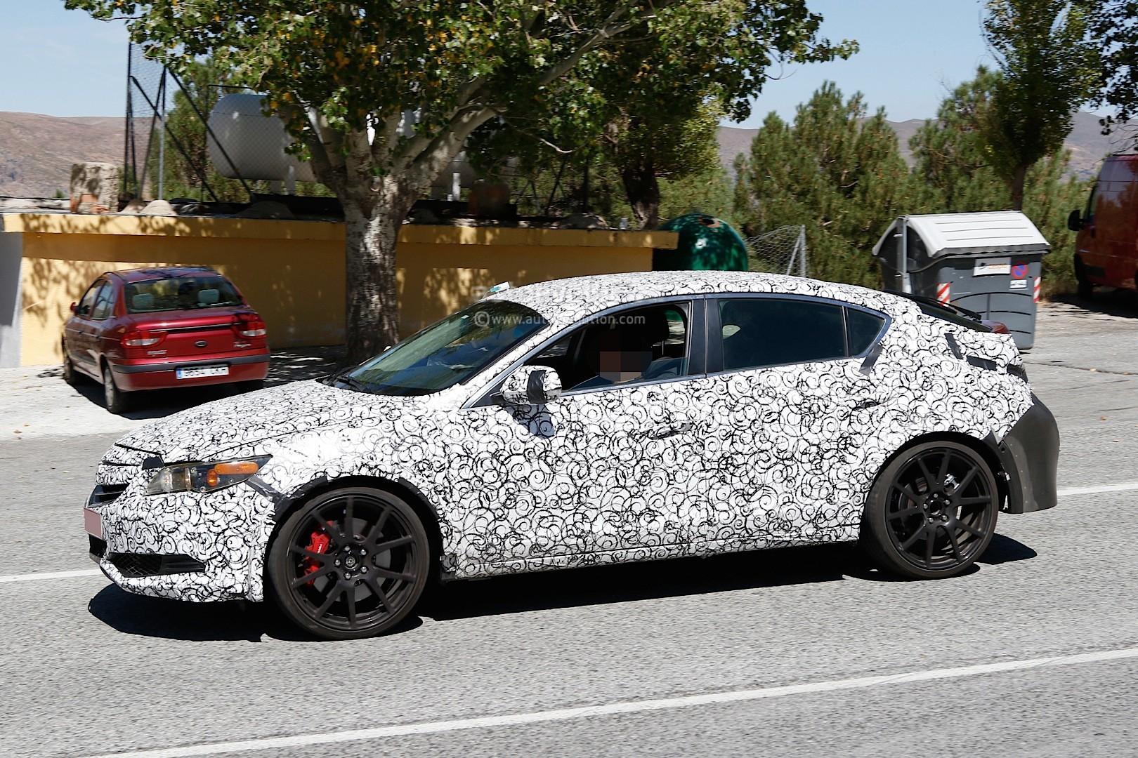 2017 - [Honda] Civic Hatchback [X] Spyshots-2017-civic-type-r-sedan-spied-with-ferrari-like-exhaust-in-the-us_3