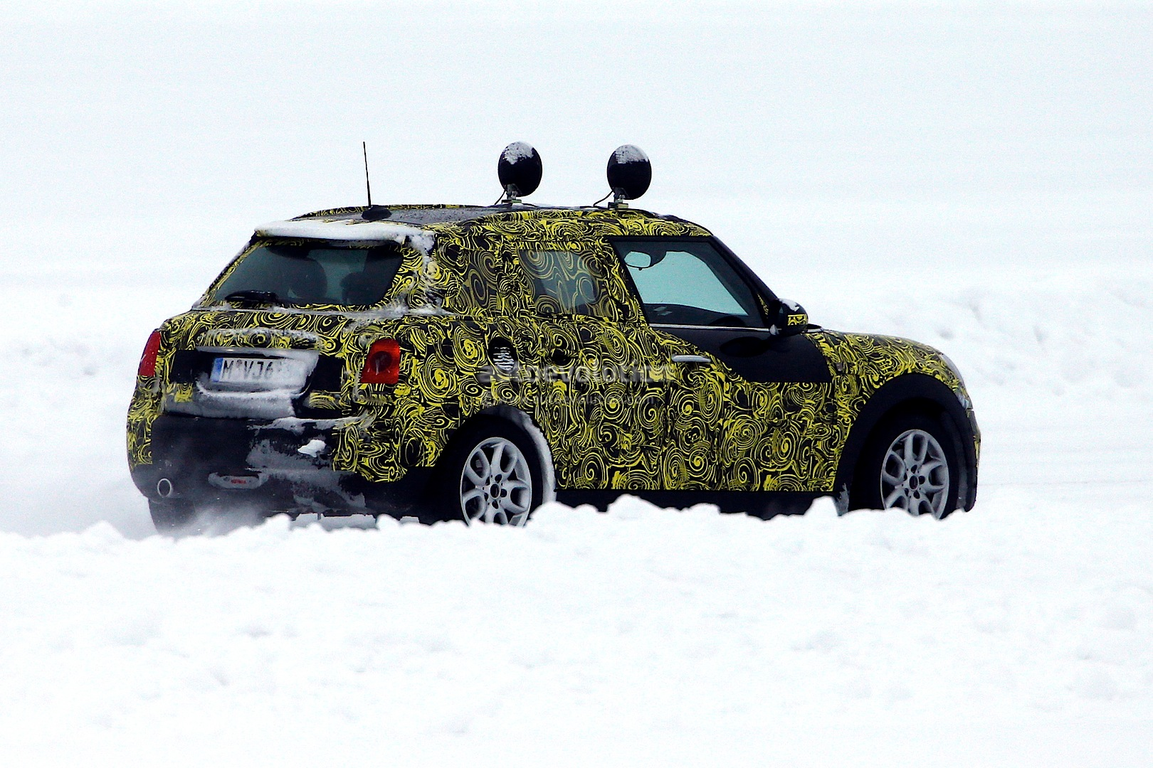 2014 - [Mini] Mini IV 5 portes [F55] - Page 4 Spyshots-5-door-clubman-and-convertible-the-last-new-minis-for-a-while_3