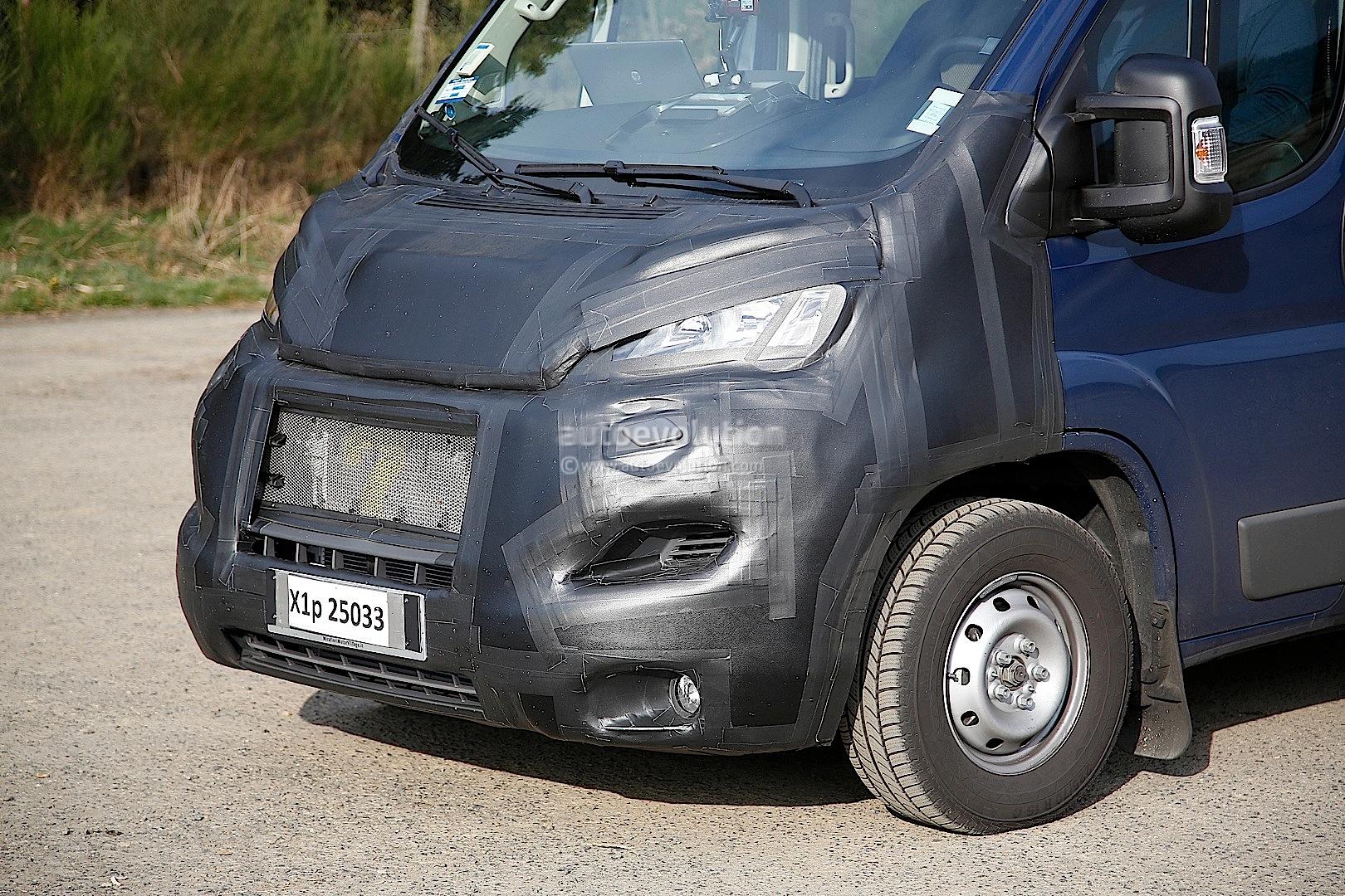 2014 - [Citroën/Peugeot/Fiat] Jumper/Boxer/Ducato - Page 3 Spyshots-fiat-ducato-ram-promaster-facelift_6