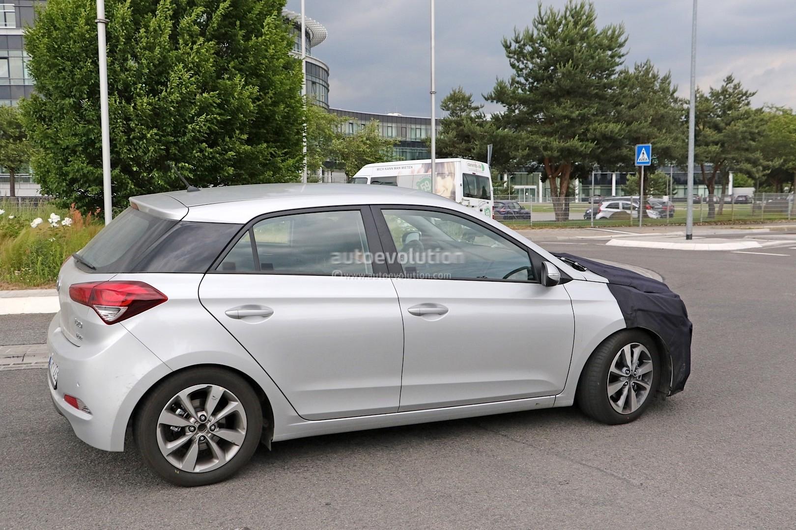 2018 - [Hyundai] I20 restylée Spyshots-hyundai-i20-prototype-spied-we-think-it-s-a-facelifted-version_5