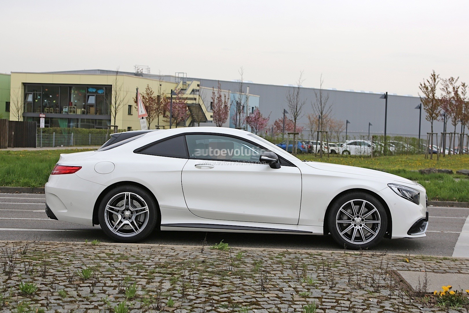 2021 - [Mercedes] SL [R232] What-mercedes-model-is-hiding-under-the-mock-up-bodywork-of-this-s63-coupe_2