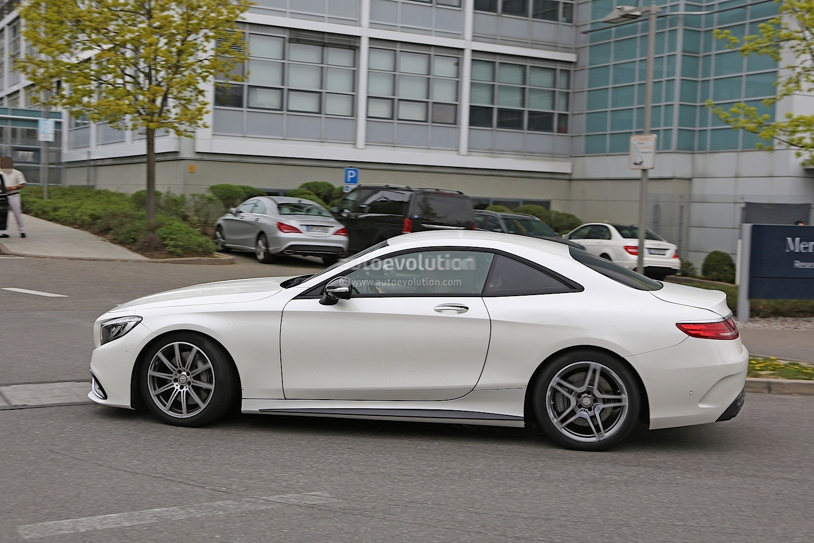 2021 - [Mercedes] SL [R232] What-mercedes-model-is-hiding-under-the-mock-up-bodywork-of-this-s63-coupe_6