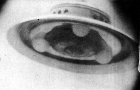 [SURNATUREL] OVNIRAMA, Le topic officiel des extraterrestres - Page 33 2605117adamski-palomargardens-jpg