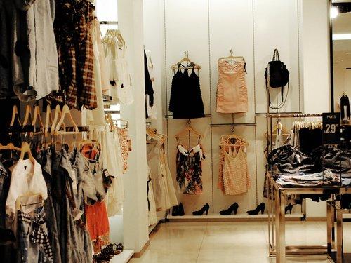 Мола (магазини, бижутерии и др.) Clothes-dress-fashion-shop-store-Favim.com-178703