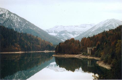 Peisaje... - Page 9 Lake-mountains-nature-trees-Favim.com-212884