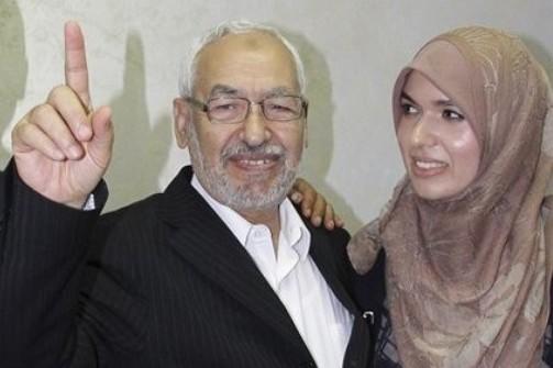 الغنوشي يتعهد بملاحقة الفساد في تونس ودعم حقوق المرأة Ennahdarzshed_835505812