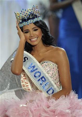 فنزويلية تتوج ملكة جمال العالم 2011 Missworld_994445598