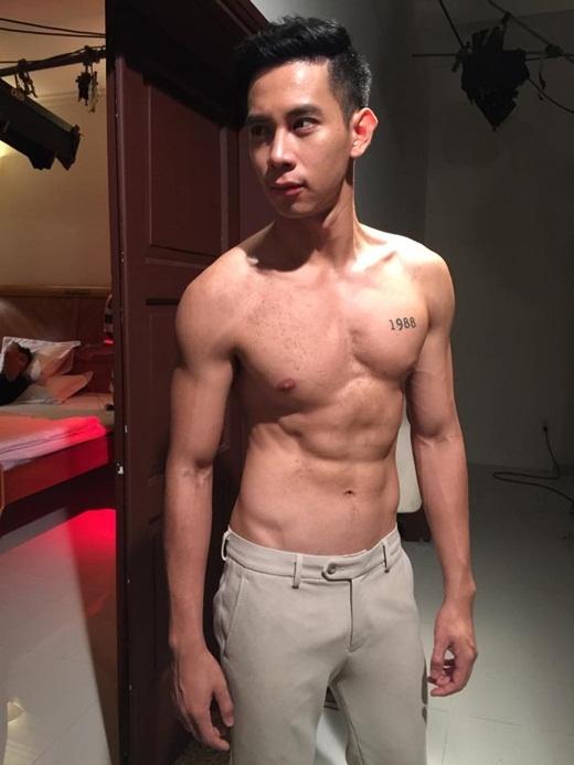 """Cảnh nóng đồng tính trong phim Vũ Ngọc Đãng gây """"sốt"""" 20150512-022809-hinh9_520x693"""